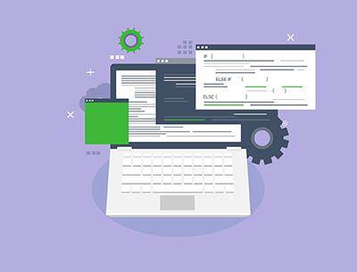 Symbolbild Neu- und Weiterentwicklung; Laptop mit Codezeilen