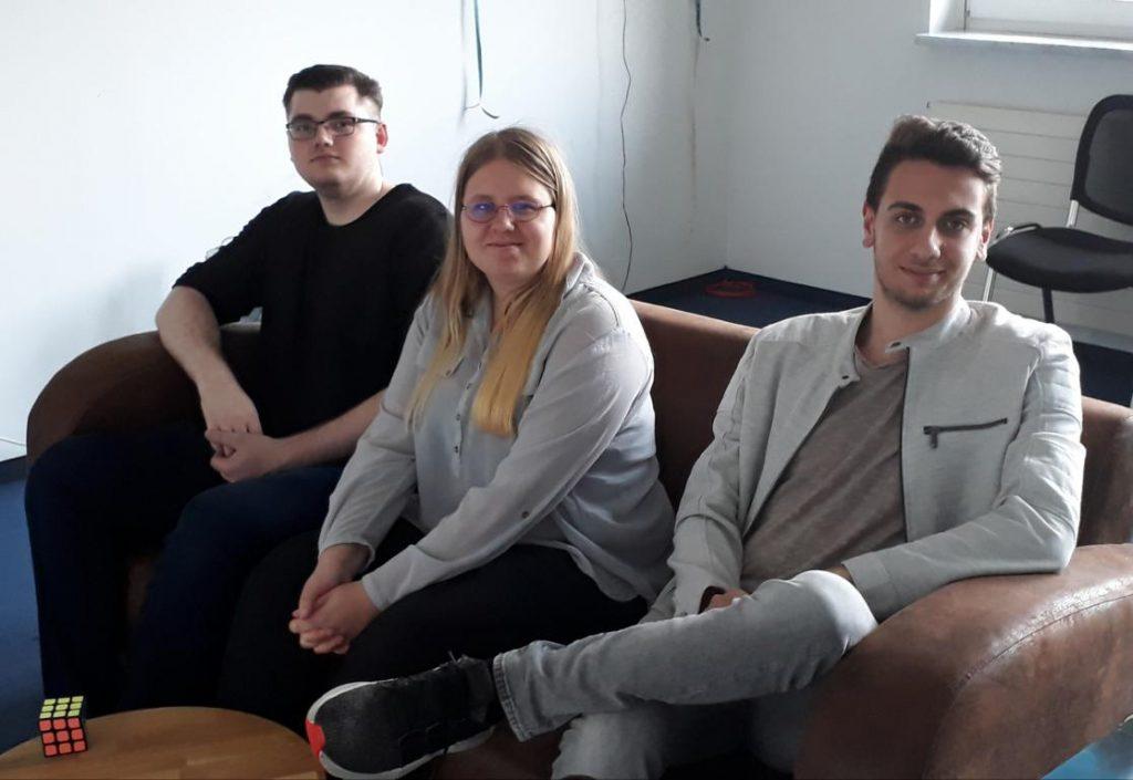 Drei Auszubildende zum/zur Fachinformatiker/-in Anwendungsentwicklung