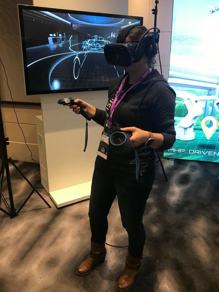 Virtual Reality; W-Jax